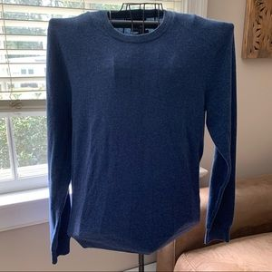 Bloomingdale's cashmere sweater NWT
